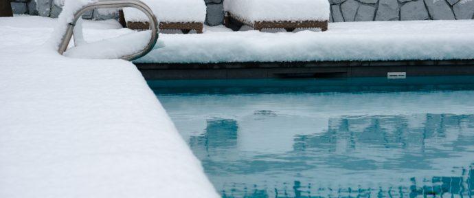 Les étapes pour réussir la mise en hivernage de sa piscine