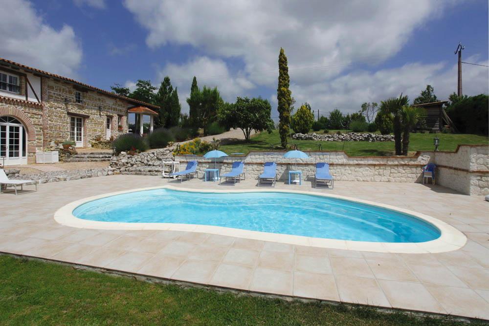piscine coque forme libre athena image1