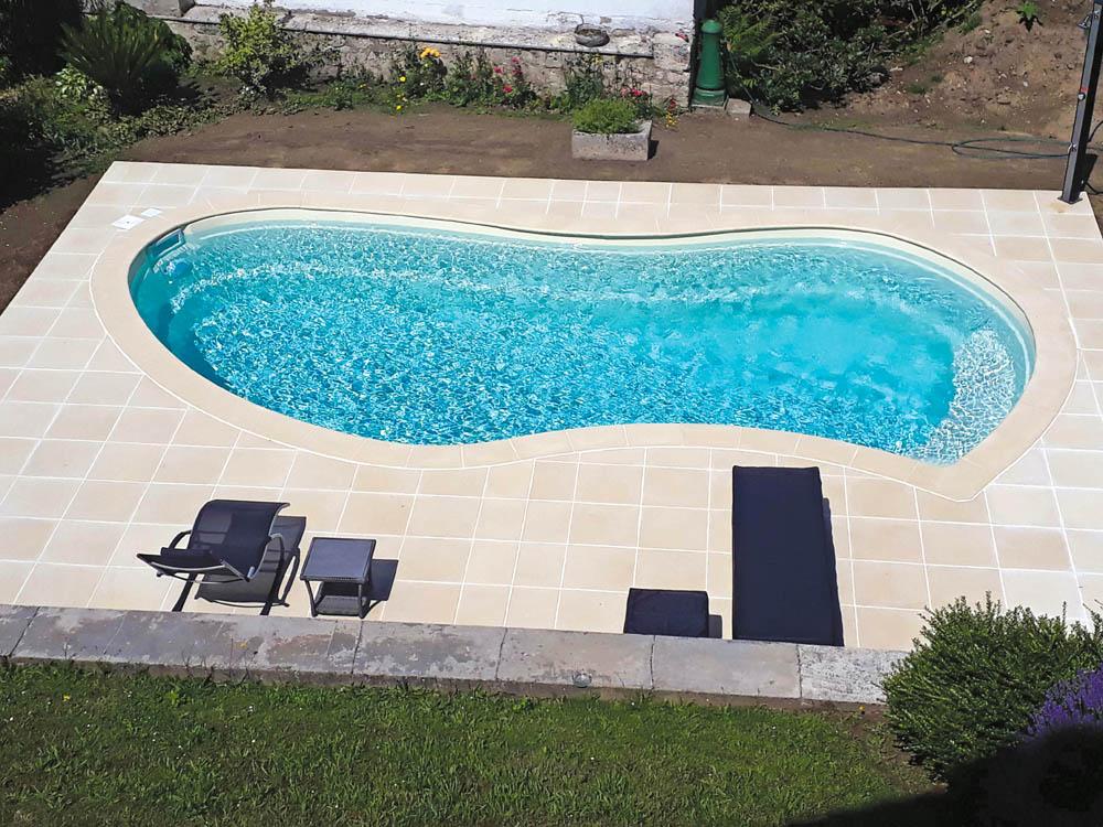piscine coque forme libre athena image2