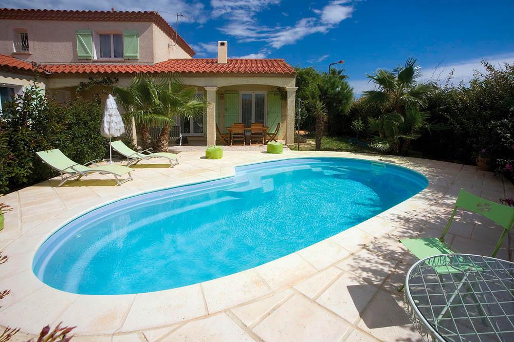 piscine coque forme libre auzra2 image1