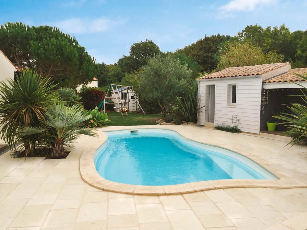 piscine coque forme libre moorea1 image1