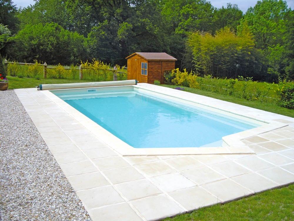 piscine coque rectangulaire california1 image1