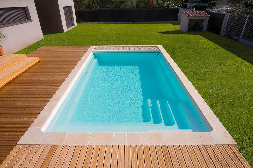 piscine coque rectangulaire riviera2 image1