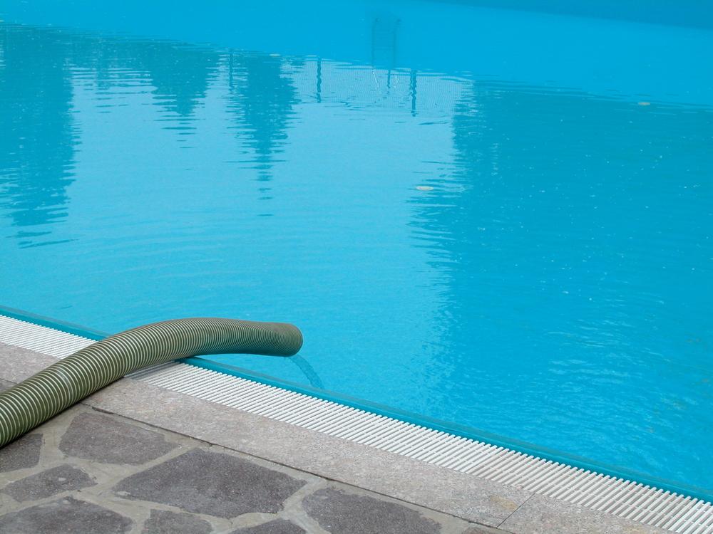 Remplir une piscine