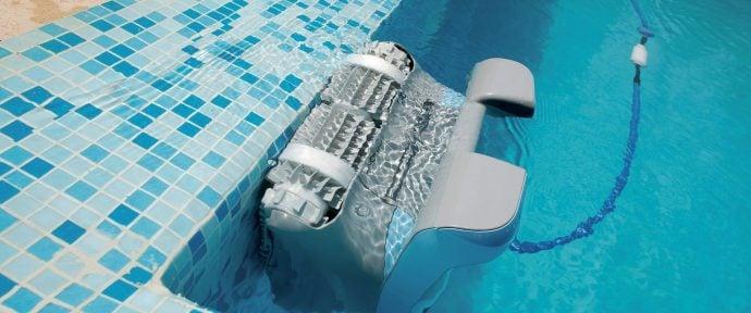 Hydraulique ou électrique : quel robot choisir pour votre piscine ?