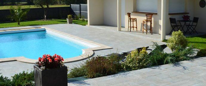 Comment bien choisir sa piscine à coque en polyester?