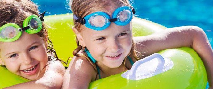Idées de jeux de piscine pour enfants, ados, adultes
