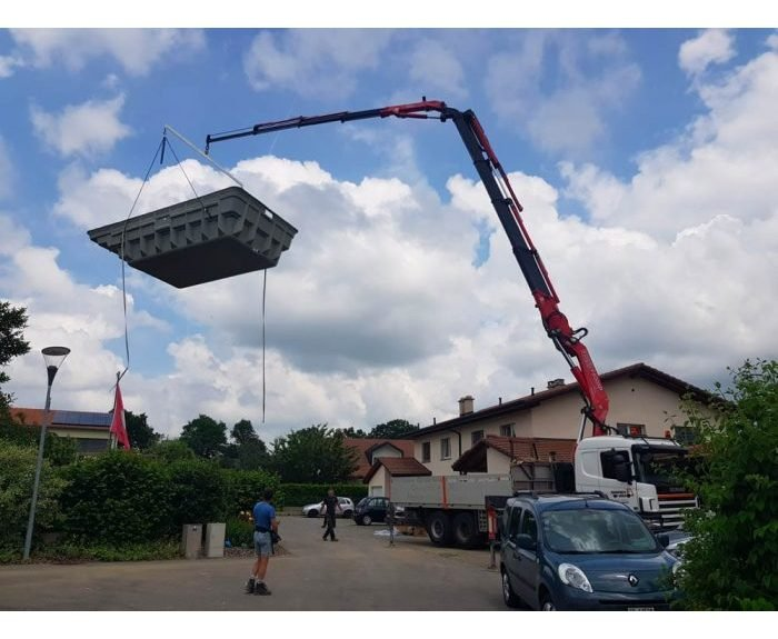 Installation piscine coque en suisse par Oberson Piscines Ibiza